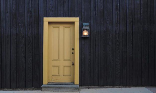 Tür lackieren – Kostencheck 2021